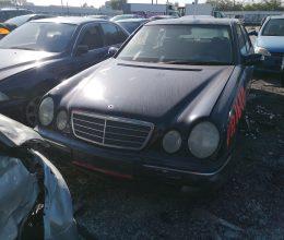 Mercedes E240 1